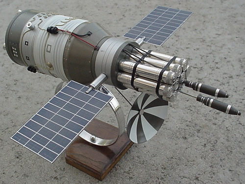 # sm493            DOC-7 Rocket weapon military space station. 1