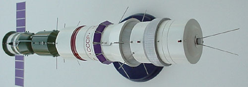 # sm211            Advanced 1963 proposal for a manned Lunar flyby mission 2