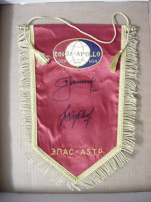 # astp134            Soyuz-Apollo pennants autographed by Leonov-Kubasov 1