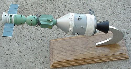 # astp110            Apollo-Soyuz docked desktop display model 1