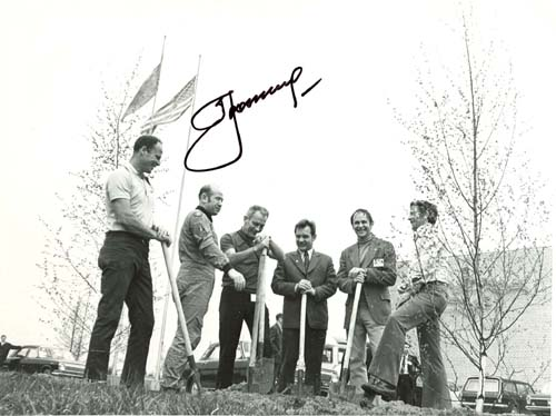 # astp966            ASTP cosmonautas and astronauts planting trees signed photo 1