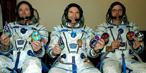 # spp092            Soyuz TMA-7, ISS-12 patches 1
