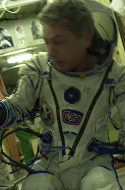 # spp099            Soyuz TMA-5/ISS-10 patches 4
