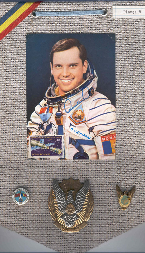 # sbp115            Badges of Romanian cosmonaut Soyuz-40 Dimitru Prunariu 1