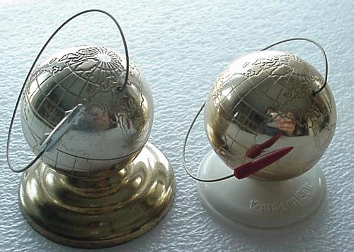 # dsk201            Vostok 1961 desk souvenirs 1