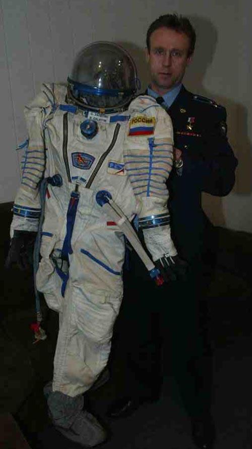 # h052            Soyuz TMA-ISS-TM-34 Sokol suit 5