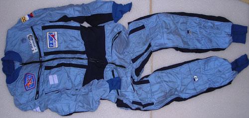 # h051            STS-105/STS-108/ISS flown Penguine suit of Dez 2