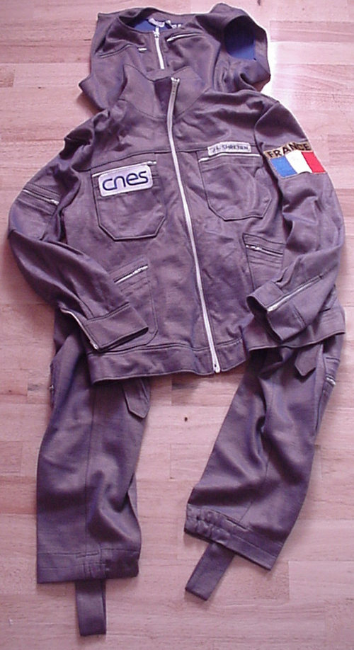 # h069            Soyuz TM-7/MIR flown jumpsuit and jacket of co 1