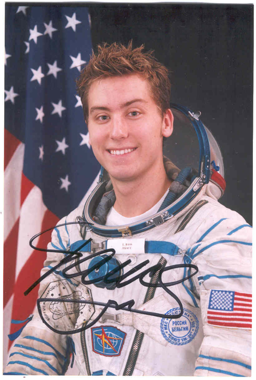 # pf109            Lance Bass photo flown on Soyuz TMA-ISS-TM-34 1