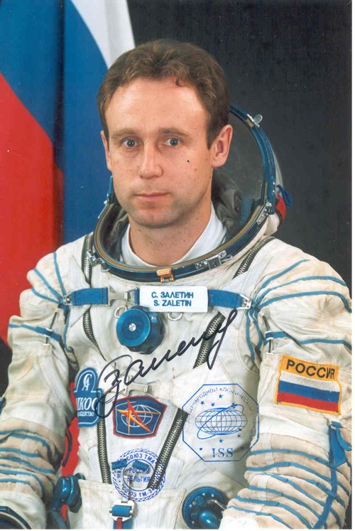 # fpit113            Soyuz TMA-1 commander S.Zaletin flown on IS 1