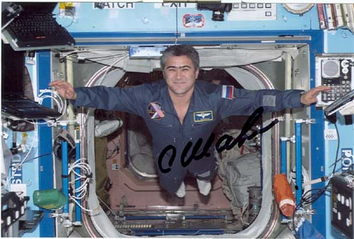 # soy098            Cosmonaut Sharipov on ISS 1