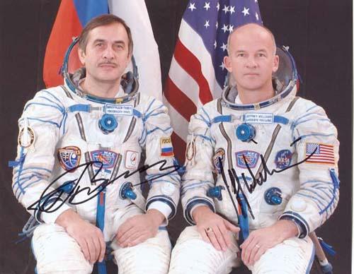 # cspc099            Soyuz TMA-8/ISS-13 crew photos 8 x 10 1