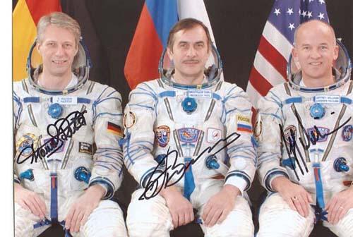 # cspc099            Soyuz TMA-8/ISS-13 crew photos 8 x 10 2