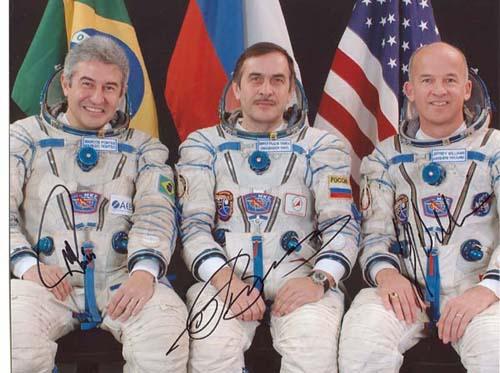 # cspc099            Soyuz TMA-8/ISS-13 crew photos 8 x 10 3