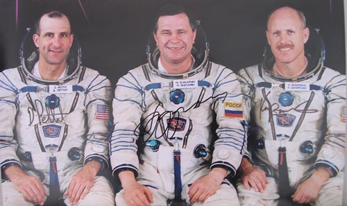 # cspc100            ISS-6 expedition crew signed poster 2