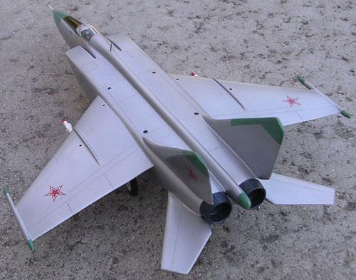 # mp119b            Mig-25 2