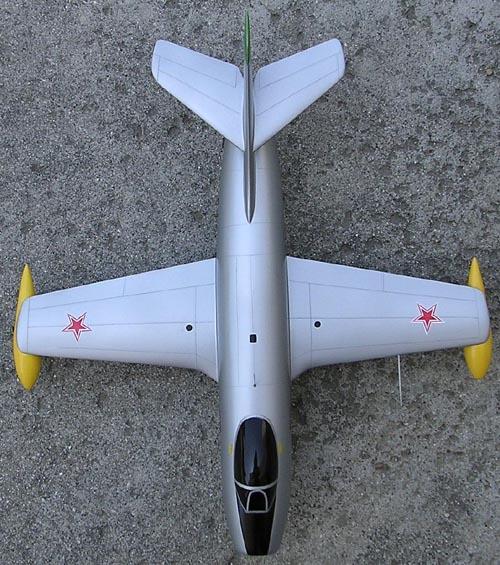 # yp142            Yak-25 1