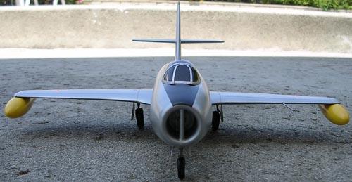 # yp142            Yak-25 3
