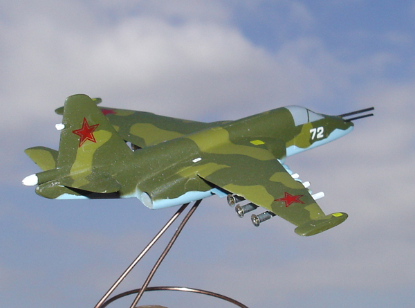 # zhopa032 Su-25 Shturmovik 4